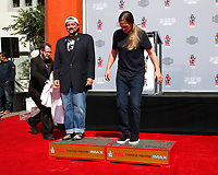 LOS ANGELES - OCT 14:  Kevin Smith, Jason Mewes at the Kevin Smith And Jason Mewes Hand And Footprint Ceremony at the TCL Chinese Theater on October 14, 2019 in Los Angeles, CA