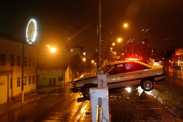 Sao Paulo,_SP, Brasil...Chuva forte causa enchente e acidentes na regiao central da cidade e alaga a Marginal Tiete apos 3 anos...The rain causes flooding and accidents in the central region of the city and overflows Marginal Tiete after 3 years...Foto: LEO DRUMOND / NITRO