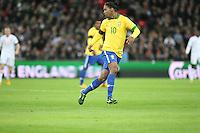 LONDRES, INGLATERRA, 06 DE FEVEREIRO 2013 - AMISOTOSO INGLATERRA X BRASIL - Ronaldinho Gaucho em partida amistosa realizada no Estádio de Wembley, em Londres, Inglaterra, nesta quarta-feira. FOTO: GUILHERME ALMEIDA - BRAZIL PHOTO PRESS.