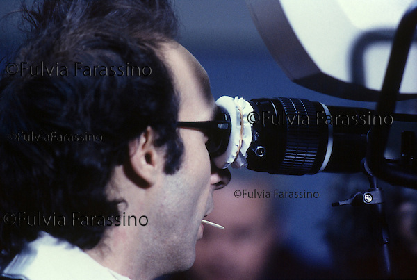 Roma,Cinecittà, 1991 , Roberto Benigni sul set del film Johnny Stecchino, Rome,1991, Roberto Benigni on Johnny Stecchino movie set