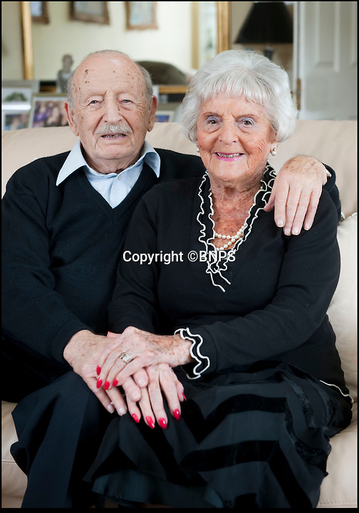 BNPS.co.uk (01202 558833)<br /> Pic: PhilYeomans/BNPS<br /> <br /> Maurice and Helen Kaye from Bournemouth in Dorset - celebrate their 80th wedding anniversary today, 27th August 2014 after marrying in 1934.
