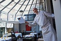 Europe/France/Midi-Pyrénées/31/Haute-Garonne/Toulouse: Stéphane Tournié dans son  Restaurant: Stéphane Tournié [Non destiné à un usage publicitaire - Not intended for an advertising use]