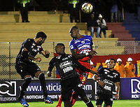 PASTO -COLOMBIA, 03-07-2016. Cristian Nazarit jugador del  Deportivo Pasto salkta por el balón con Hernan Menosse, Jesus Marimon jugadores de Once Caldas durante partido por la fecha 1 de la Liga Águila II 2016 jugado en el estadio La Libertad de Pasto./ Cristian Nazarit player of Deportivo Pasto jumps for the ball with Hernan Menosse, Jesus Marimon players of Once Caldas for the date 1 of Aguila League II 2016 played at La Libertad stadium in Pasto. Photo: VizzorImage / Leonardo Castro / Cont