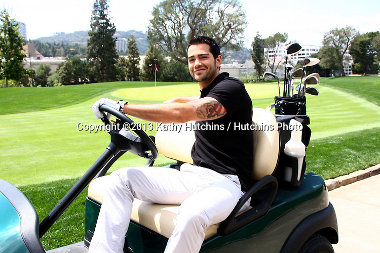 LOS ANGELES - APR 15:  Jesse Metcalfe at the Jack Wagner Celebrity Golf Tournament benefitting the Leukemia & Lymphoma Society at the Lakeside Golf Club on April 15, 2013 in Toluca Lake, CA