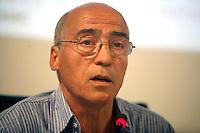 NAPOLI, 11/04/2013 LE AREE DELL'EX ITALSIDER E DELL'EX ETERNIT DI BAGNOLI SONO STATE SEQUESTRATE DAI CARABINIERI NELL'AMBITO DI UN'INDAGINE DELLA PROCURA CHE IPOTIZZA IL REATO DI DISASTRO AMBIENTALE. ..NELLA FOTO   ALFONSO DE NARDO. FOTO DE LUCA .
