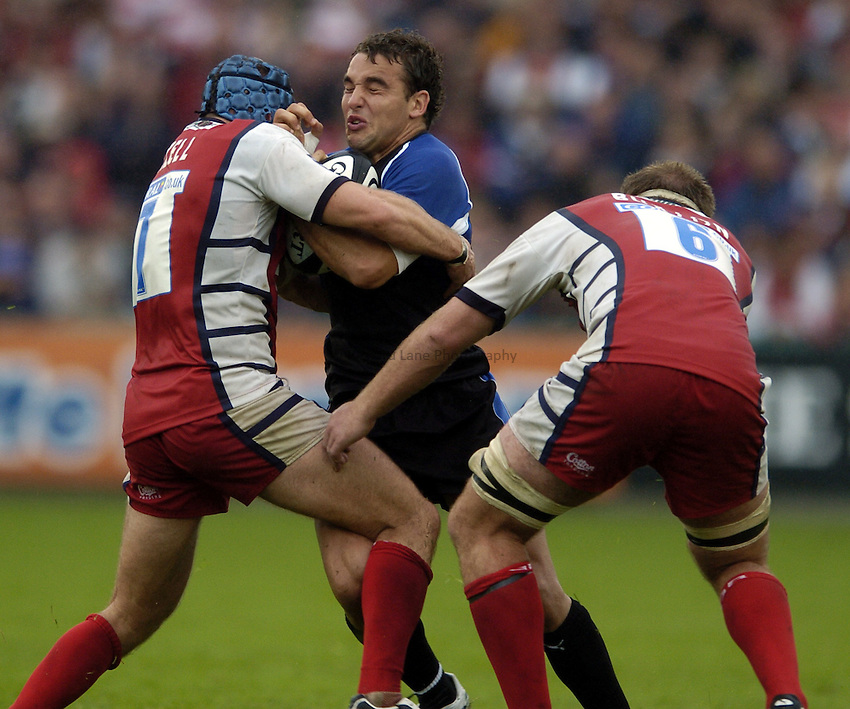 Photo: Jonathan Butler..Gloucester Rugby v Bath Rugby. Guinness Premiership. 02/09/2006..Olly Barkley of Bath can't find a way through the Gloucester defence.