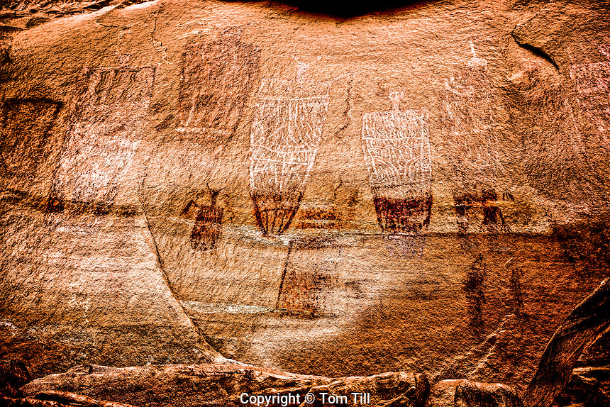 Ancient  Barrier Canyon style rock art       Southern Utah    Life-size figures on canyon walls   Ancient Native American rock art