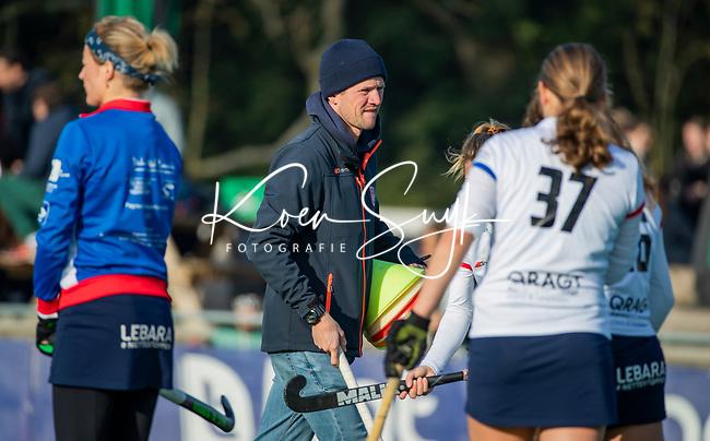 AMSTELVEEN - assistent coach Lucas Judge (SCHC)  voor  de competitie hoofdklasse hockeywedstrijd dames, Pinoke-SCHC (1-8) . COPYRIGHT KOEN SUYK