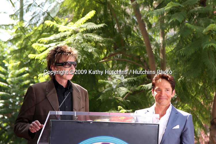 Barry Manilow & Dave Koz.at the Hollywood Walk of Fame Star Ceremony honoring Dave Koz.Capital Building in Hollywood.Los Angeles, CA.September 22, 2009.©2009 Kathy Hutchins / Hutchins Photo.