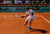 Andy Murray (GBR) (4) against Richard Gasquet (FRA) in the first round of the men's singles. Andy Murray beat Richard Gasquet 4-6 6-7 6-4 6-2 6-1..Tennis - French Open - Day 2 - Mon 24 May 2010 - Roland Garros - Paris - France..© FREY - AMN Images, 1st Floor, Barry House, 20-22 Worple Road, London. SW19 4DH - Tel: +44 (0) 208 947 0117 - contact@advantagemedianet.com - www.photoshelter.com/c/amnimages
