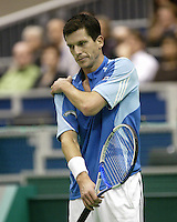 23-2-06, Netherlands, tennis, Rotterdam, ABNAMROWTT, Tim Henman faces defeat in his match against Djokovic