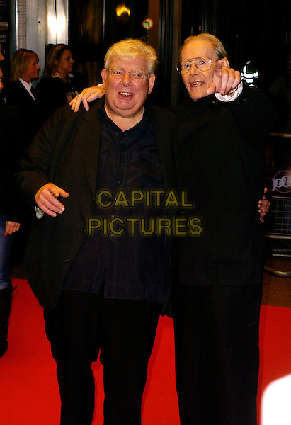 RICHARD GRIFFITHS & PETER O'TOOLE.The Times BFI London Film Festival: Venus - gala screening, Odeon West End, London, UK..October 19th, 2006.Ref: CAN.half length black jacket pointing.www.capitalpictures.com.sales@capitalpictures.com.©Can Nguyen/Capital Pictures