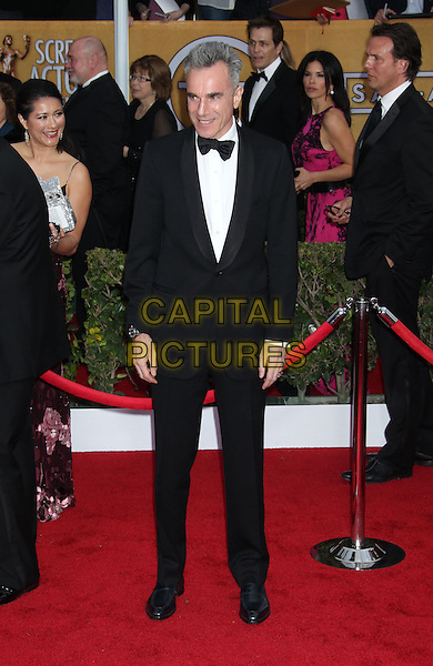 Daniel Day Lewis.Arrivals at the 19th Annual Screen Actors Guild Awards at the Shrine Auditorium in Los Angeles, California, USA..27th January 2013.SAG SAGs full length black white tuxedo bow tie shirt.CAP/ADM/RE.©Russ Elliot/AdMedia/Capital Pictures.