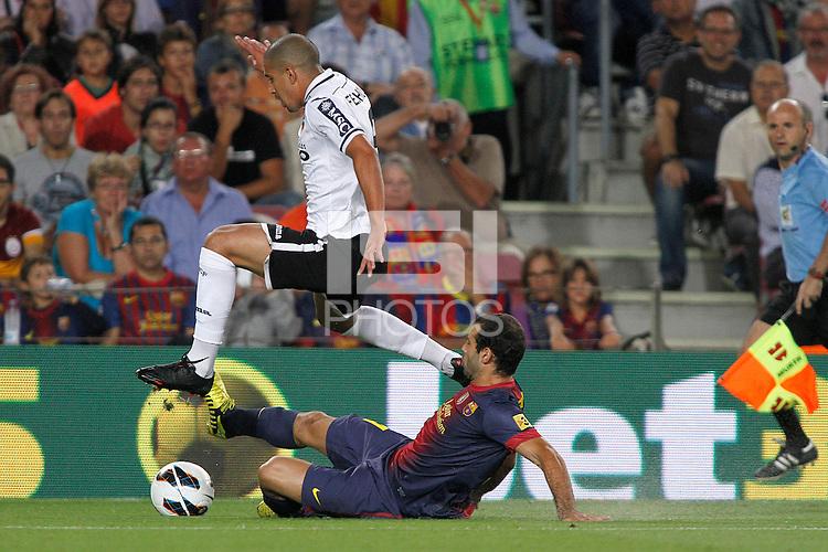 02/09/2012 - Liga Football Spain, FC Barcelona vs. Valencia CF Matchday 3 - Feghouli duels with Mascherano