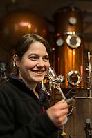 Europe/Allemagne/Bade-Würrtemberg/Forêt Noire/Bad Peterstal-Griesbach: Distillerie: Löcherhansenhof  _ Verena Huber AUTO N: 2012-426