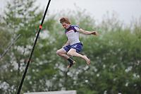 FIERLJEPPEN: JOURE: Accommodatie Koarte Ekers, Fierljepvereniging De Lege Wâlden Joure, 25-05-2013, Overgangsklasse, Age Hulder (#34), ©foto Martin de Jong