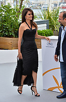 Penelope Cruz &amp; Asghar Farhadi at the photocall for &quot;Everybody Knows&quot; at the 71st Festival de Cannes, Cannes, France 09 May 2018<br /> Picture: Paul Smith/Featureflash/SilverHub 0208 004 5359 sales@silverhubmedia.com