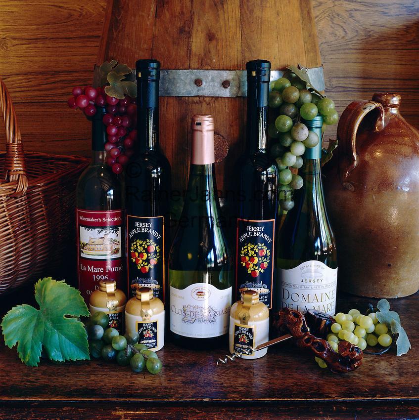 Great Britain, England, Channel Islands, Jersey: Produce from La Mare Vineyards   Grossbritannien, England, Kanalinseln, Jersey: Produkte vom Weingut La Mare