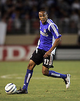 10 September 2005:  Ricardo Clark of the Earthquakes in action against CD Chivas USA at Spartan Stadium in San Jose, California.    San Jose Earthquakes defeated CD Chivas USA, 3-0.