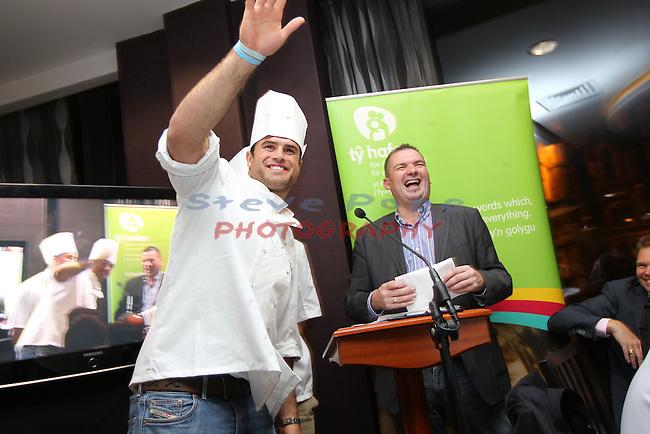 Ty Hafan Celebrity Chef.Jamie Roberts & Frank Ady..Maldron Hotel.26.09.12.©Steve Pope