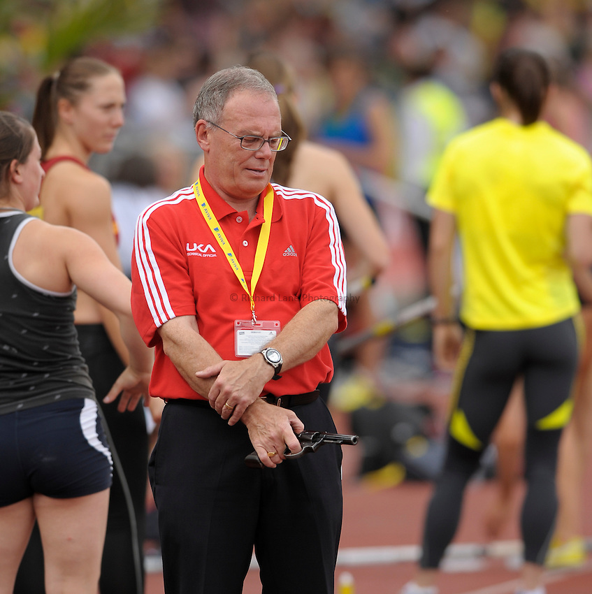 Photo: Ady Kerry/Richard Lane Photography..Aviva World Trials & UK Championships athletics. 11/07/2009. .Starter awaits the race.