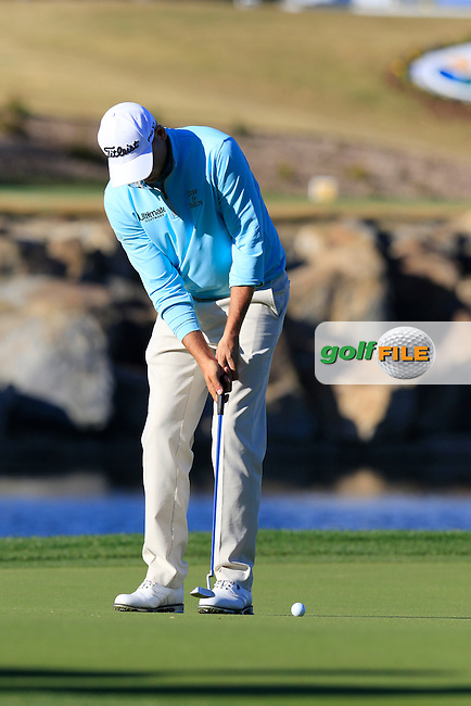 Bill Haas (USA) putts on 17th green during Saturday's Round 3 of the 2017 CareerBuilder Challenge held at PGA West, La Quinta, Palm Springs, California, USA.<br /> 21st January 2017.<br /> Picture: Eoin Clarke | Golffile<br /> <br /> <br /> All photos usage must carry mandatory copyright credit (&copy; Golffile | Eoin Clarke)
