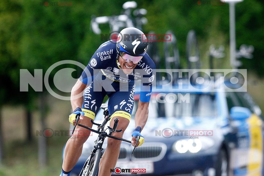 Alberto Contador during the stage of La Vuelta 2012 between Cambados and Pontevedra.Individual Time Trials.August 29,2012. (ALTERPHOTOS/Paola Otero) NortePhoto.com<br /> <br /> **CREDITO*OBLIGATORIO** <br /> *No*Venta*A*Terceros*<br /> *No*Sale*So*third*<br /> *** No*Se*Permite*Hacer*Archivo**<br /> *No*Sale*So*third*