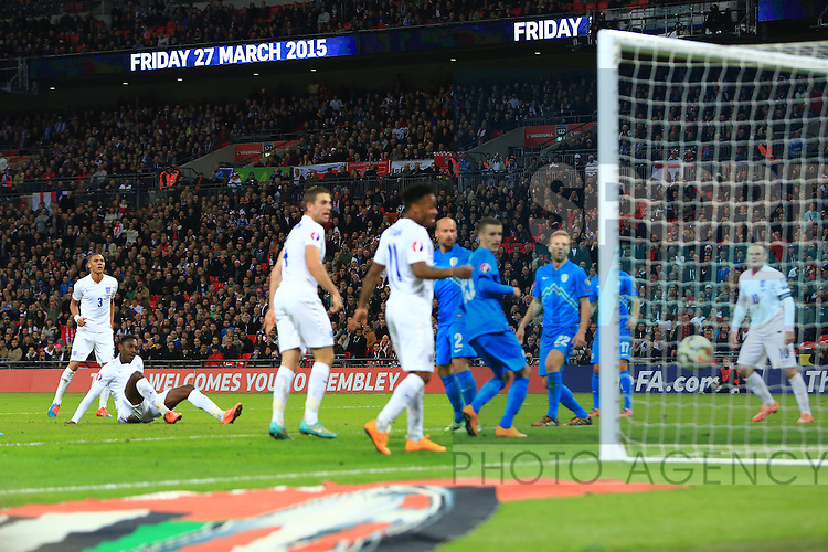 Danny Welbeck of England scores the second goal - England vs. Slovenia - UEFA Euro 2016 Qualifying - Wembley Stadium - London - 15/11/2014 Pic Philip Oldham/Sportimage