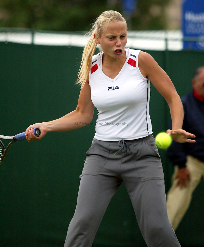 Photograph: Scott Heavey..Hastings Direct Womens Tennis.  Eastbourne. 18/06/2003..Jelena Dokic