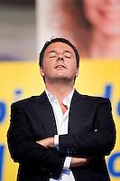 Matteo Renzi alla manifestazione per la chiusura della campagna elettorale per le elezioni Europee Italian Prime Minister Matteo Renzi closes his Rome campaign for the European elections at Piazza del Popolo in Rome.