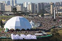 SAO PAULO, SP, 05.04.2014 - LOLLAPALOOZA - Movimentaçao de publico no primeiro dia do Festival Lollapalooza no Autodromo de Interlagos na regiao sul da cidade de Sao Paulo neste sabado. (Foto: Vanessa Carvalho / Brazil Photo Press.)