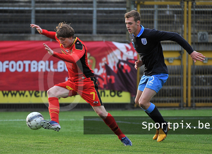 Belgium U19 - England U19 : Thomas Foket (7) and England defender Calum Chambers (2).foto DAVID CATRY / Nikonpro.be