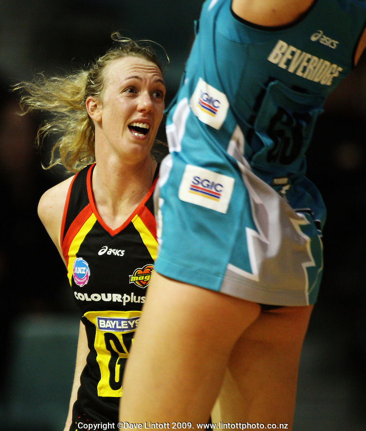 Magic goal defence Jodi Tod marks Kate Beveridge during the ANZ Netball Championship match between the Waikato Bay of Plenty Magic and Adelaide Thunderbirds, Mystery Creek Events Centre, Hamilton, New Zealand on Sunday 19 July 2009. Photo: Dave Lintott / lintottphoto.co.nzlintottphoto.co.nz