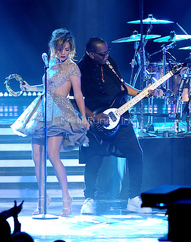 "LOS ANGELES, CA - MAY 21 : (L-R) Judge Jennifer Lopez and mentor Randy Jackson perform onstage at FOX's ""American Idol XIII"" finale at Nokia Theatre L.A. Live on May 21, 2014 in Los Angeles, California. Credit: PGMicelotta/MediaPunch"
