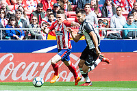 Atletico de Madrid Kevin Gameiro and Levante Roberto Suarez during La Liga match between Atletico de Madrid at Wanda Metropolitano in Madrid, Spain. April 15, 2018. (ALTERPHOTOS/Borja B.Hojas) /NortePhoto.com NORTEPHOTOMEXICO