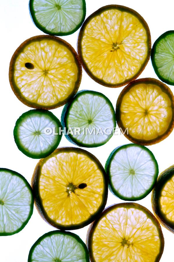 Frutas cítricas, limão e laranja.  Foto Juca Martins