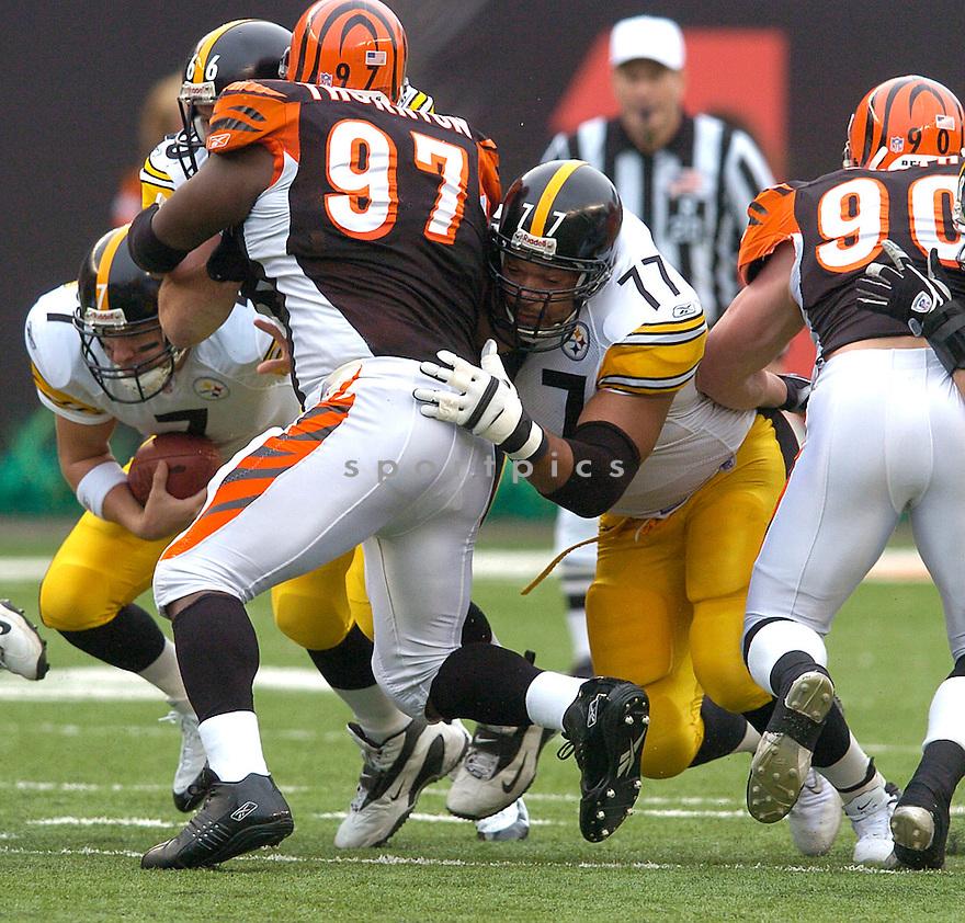 Marvel Smith during the Pittsburgh Steelers v. Cincinnati Bengals game on November 21, 2004...Steelers win 19-14..Chris Bernacchi / SportPics