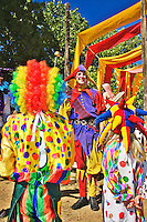 The Renaissance Fair is held each September at the historic museum of El Rancho de Las Golondrinas near Santa Fe and features dancers, kinghts, acrobats and many other performers all celebrating the culture and life style of the Medieval Middle Ages.  Clan Tynker is a family troup which performs magic, acrobatics, juggling and other feats that keep the crowd entertained.  Elijah Tynker and young friends.