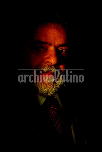 Brazilian President Luiz Inacio Lula da Silva, attends during ceremony at the Presidential Palace, in Brasilia,  Brazil, Thursday, July 21, 2005. President Lula announces three new ministers, Ministry of the Cities, Marcio Fortes, Minister of Science and Technology, Sergio Rezende, and Minister of Social Welfare, Nelson Machado.   (AP Photo/Eraldo Peres)