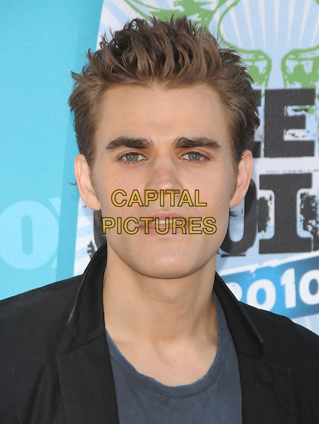PAUL WESLEY.Fox Teen Choice 2010 Awards held at the Universal Ampitheatre in Universal City, California, USA..August 8th, 2010    .headshot portrait black blue  .CAP/RKE/DVS.©DVS/RockinExposures/Capital Pictures.