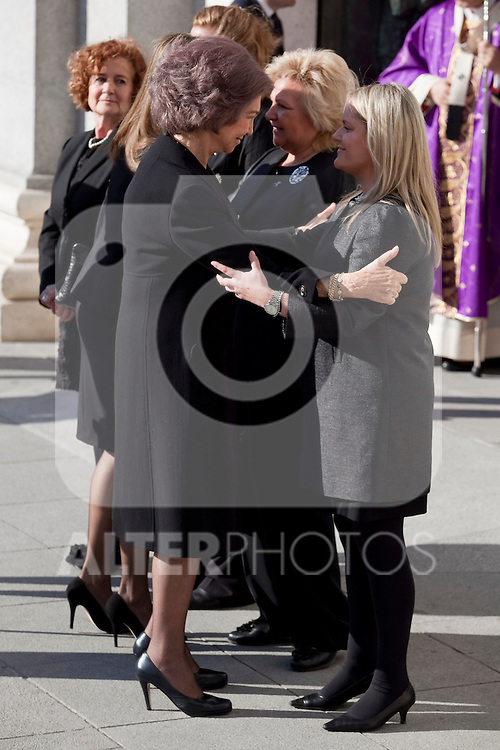 Spain Queen Sofia greets Terrorism Victims Association representatives while attend the 11M March 11, 2004 terrorist attempt remember mass at Almudena Cathedral in Madrid, Spain. March 11, 2014. (ALTERPHOTOS/Victor Blanco)
