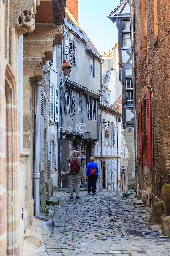 France, Allier (03), Moulins, ruelle médiévale, rue des Orfèvres // France, Allier, Moulins, medieval street