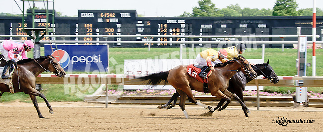 Today Who winning at Delaware Park on 7/9/14