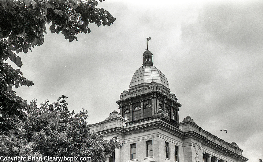 Manitowoc County Couthouse, photo taken with 1952 vintage Kodak Signet 35, 35mm film camera on Kodak T-Max black and white film,Manitowoc, WI, July 2017.  (photo by Brian Cleary/bcpix.com)