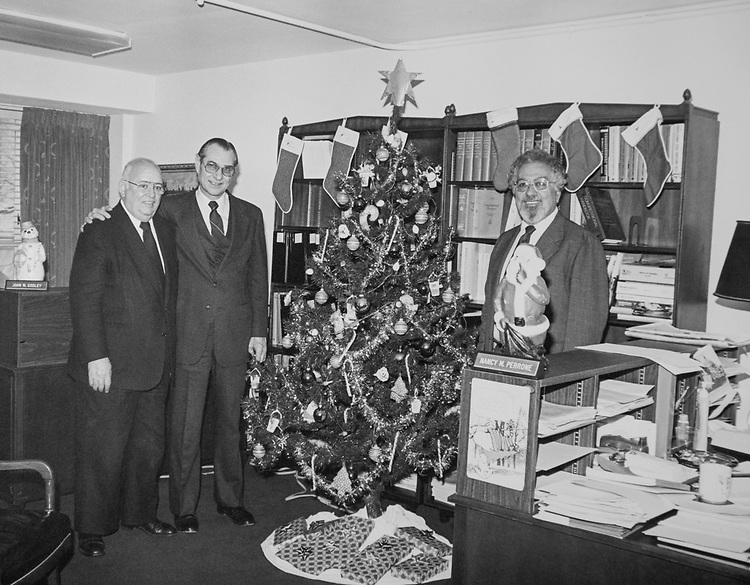 Joe Ventura and House Subcommittee Director on Accounts Dave Sharman decorated office during Christmas. (Photo by CQ Roll Call via Getty Images)