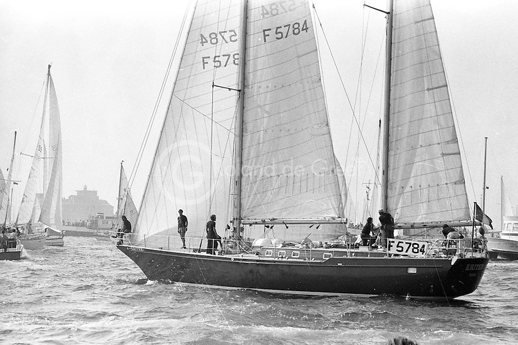 Kriter, spécialement dessiné pour la Whitbread,  à bord, Michel Malinovsky, Alain Gliksman entre autres.