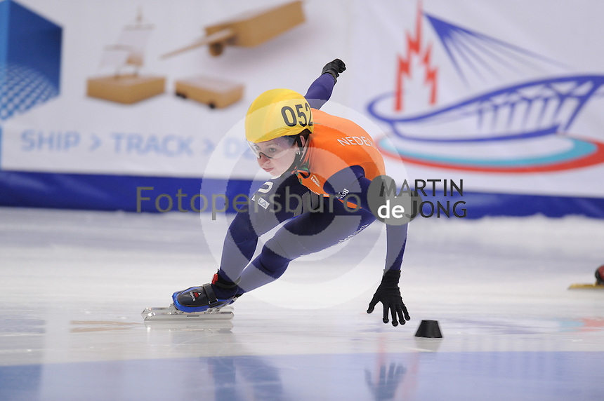 "SHORT TRACK: MOSCOW: Speed Skating Centre ""Krylatskoe"", 14-03-2015, ISU World Short Track Speed Skating Championships 2015, Ranking Races, Lara VAN RUIJVEN (#052 