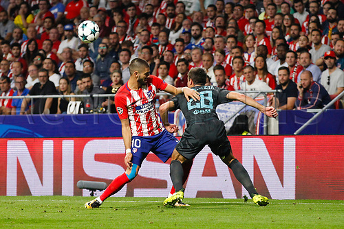 27th September 2017, Wanda Metropolitano, Madrid, Spain; UEFA Champions League, Atletico Madrid versus Chelsea; Yannick Carrasco (10) Atletico de Madrid tackles  Cesar Azpilicueta (28) Chelsea
