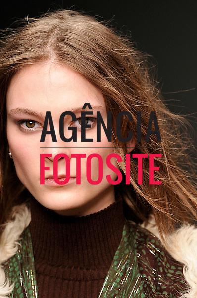 Ready to Wear Fall Winter 2013 Issa details London Fashion Week Feb 2013