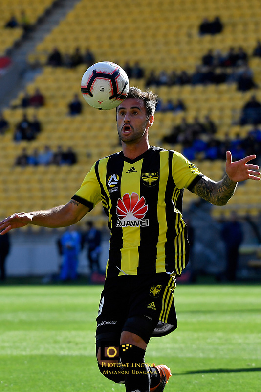 Wellington Phoenix&rsquo; Thomas Doyle in action during the A League - Wellington Phoenix v Newcastle Jets at Westpac Stadium, Wellington, New Zealand on Sunday 21 October  2018. <br /> Photo by Masanori Udagawa. <br /> www.photowellington.photoshelter.com